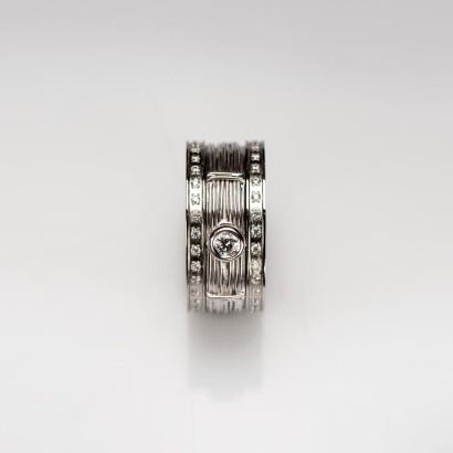 Ring380